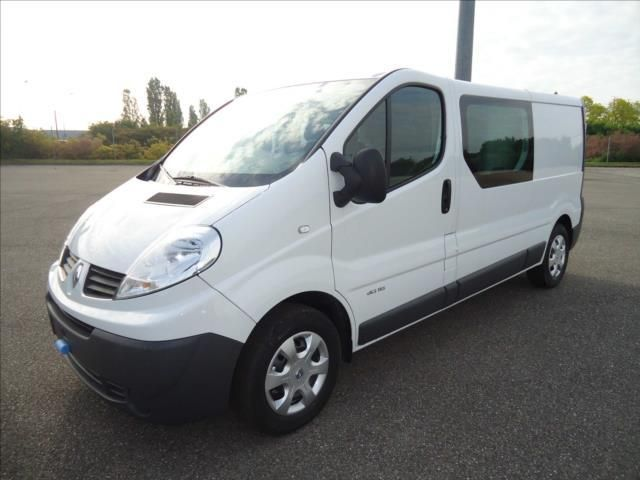 Vehicule utilitaire occasion renault trafic - revia ...
