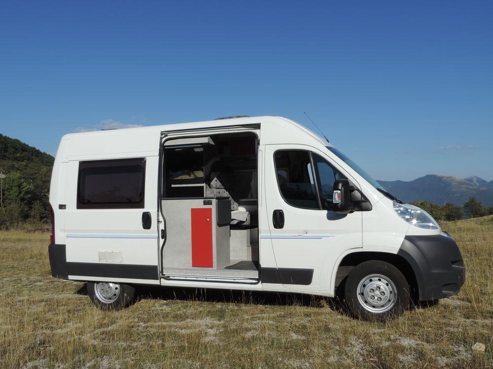 location de minibus 9 places pas cher revia multiservices. Black Bedroom Furniture Sets. Home Design Ideas